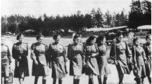 苏联女兵穿着裙子上战场,被俘后死亡率达100%,原因让人无比心酸