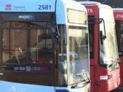 男女公共汽车上脱光衣服发生关系,司机将其赶下车后被逮捕