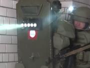 """俄特种部队展示""""闪光盾"""":可令敌人失明产生幻觉"""