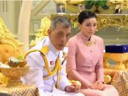 泰国国王宣布四婚 王后为护卫队副司令官