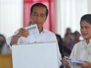 印尼大选引发冲突,抗议者投掷爆炸物,已有3万余名士兵出动