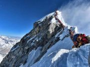 """尼泊尔拒绝限制当局认为""""登山人数过多""""并非是致登山客死亡的原因"""