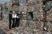 马来西亚禁洋垃圾:把你们的垃圾拿回去!