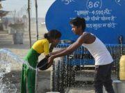 印度高温突破50摄氏度 4名乘客火车上被活活热死