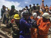 柬埔寨一在建大楼坍塌已致42人死伤 疑有中国工人被困