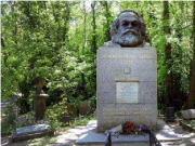 马克思墓用二维码 方便了中国游客