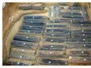 千年古墓挖出 46 名妙龄少女,全身长满绿光晶体……