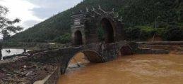 """江西""""桥坚强""""遭遇洪水袭击仍完好 始建于明朝"""