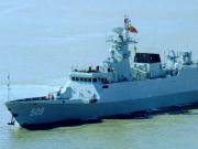 中国援赠斯里兰卡护卫舰抵达科伦坡港