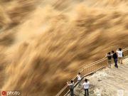 三门峡大坝泄洪现场