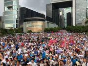 梁家辉、谭咏麟都站出来了!大批香港市民冒雨力挺警方