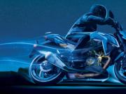 """西班牙摩托车司机 需穿""""气囊服""""上路"""