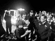 1200人戈壁徒步迷路 民警连夜找回