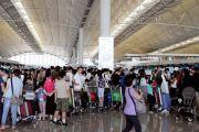 香港交通瘫痪:超170架航班取消 港铁多线停运