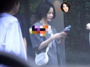 李嫣get戴墨镜的新方式 网友:抢王菲风头