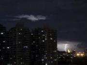 北京今日大风蓝色预警 雷暴云昨夜光临京城|组图