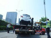 """北京启用2331套电子""""警察""""今起严查违法停车"""