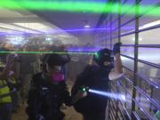 香港司机:孩子看完暴徒袭警视频 就不去示威了