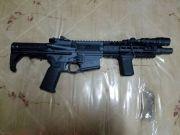 香港警方检获大批军火案:至少4支真枪从美国寄出