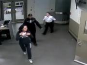 加拿大法院公布孟晚舟被捕画面 期间拒绝她联络家人