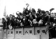 1955年上海妓女改造:920人参军到新疆成战士媳妇