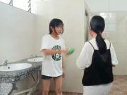 初中女生被女同学当头浇水、扇耳光,惨不忍睹!