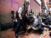元朗区打响头炮 通过议案支持港警依法止暴制乱