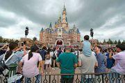 上海迪士尼松口:游客可自带食品 园区提供免费水