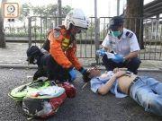 被香港暴徒围殴致昏迷男子为服务生 其面部骨折