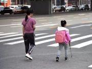 这19张偷拍照,暴露了中国父母的真面目!