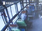 老人反复乘坐公交往返终点站 儿子道出心酸真相