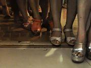 全程实拍人流少女:手术室门口女孩排起长队