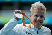 伦敦残奥冠军安乐死!14岁瘫痪与病魔抗争26年,白发老母陪她到最后