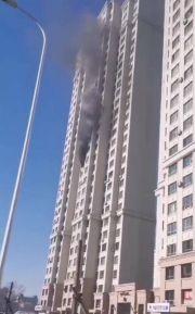 哈尔滨住宅爆炸:男子被崩出后坠地身亡