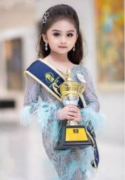 6岁小萝莉获泰国女童选美冠军 打扮却引热议