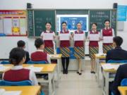 四川一高校开设四川方言课 专家称有利于传统文化保护