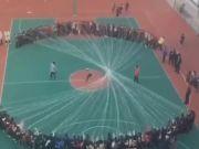 这一中国学生跳绳视频火了!外国网友赞叹:太炫酷了