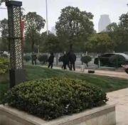 验房师武汉验房后遭人殴打 警方:涉案3人已被拘留