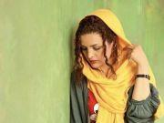 伊朗女孩头巾下的真实生活:地下室的美发沙龙