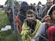 """百万难民无家可归,欧洲已""""人满为患"""",有专家希望东方敞开大门"""