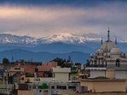 印度人30年首次看清喜马拉雅山 竟与新冠疫情有关