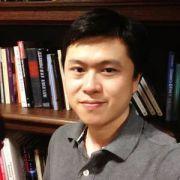 """美华裔科研人员家中遇害 研究新冠病毒面临""""重大发现"""""""