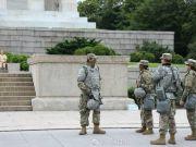 白宫周围数个街区被军队警察封锁 出动空降部队