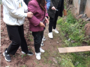两孙女被奶奶推拉进粪坑溺亡 经鉴定患精神分裂症