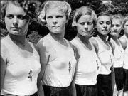 1男16女躲深山,为了重新复国拼命繁衍后代,最后成功了没?