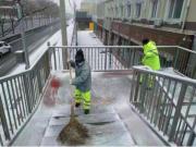 """北京大雪!分段扫雪、""""对头作业""""……疫情防控期扫雪有讲究"""