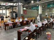 义乌火车站火了!网友: 一下火车, 以为到了中东