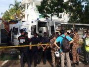 中国驻马来西亚槟城总领馆门前现3个可疑包裹 排爆后才发现是口罩