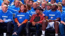 他花两亿看了60年NBA,只坐第一排VIP位置,交比自己小46岁女友