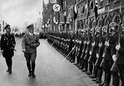 12岁男孩痴迷希特勒, 想入德军遭拒, 直接自己建国, 还复制纳粹党